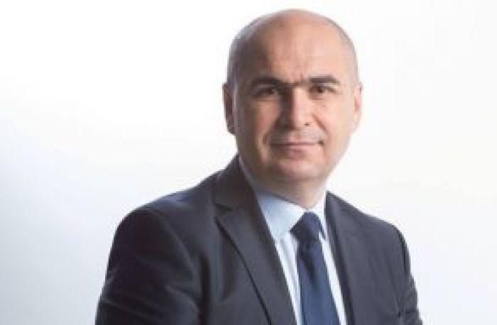 Bolojannak könyörög a Krassó-Szörény megyei tanácselnök, hogy vállalja el a miniszterelnökséget