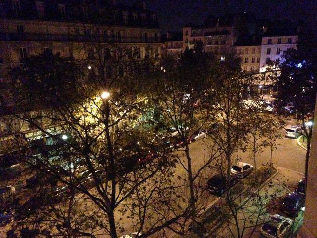 Paris at 6am. Warm enough to just wear a tshirt.