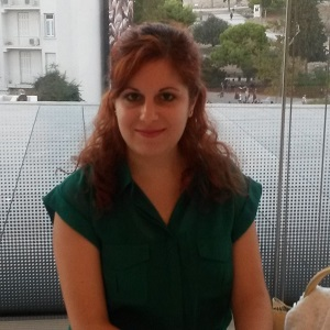 Volunteer translator Anastasia Petyka breaks down communicative barriers when improving migration in Greece
