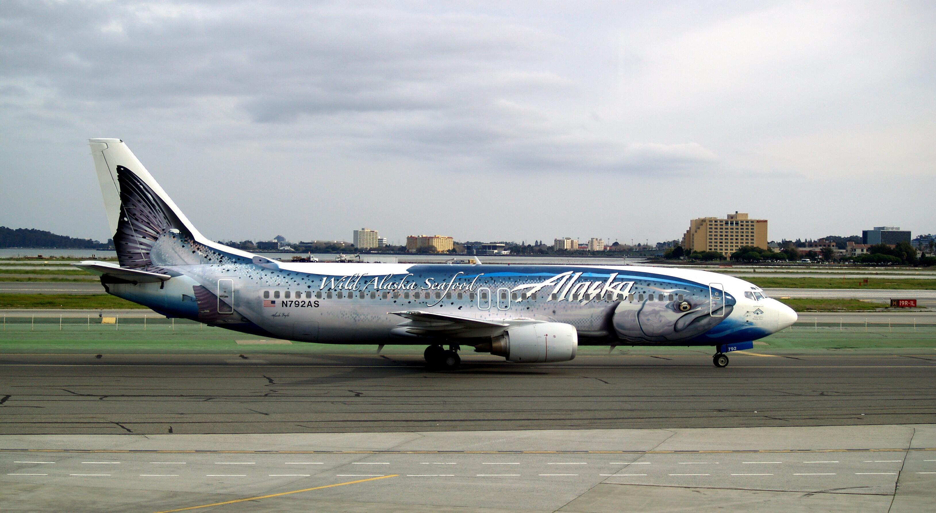 Alaska_Airlines Salmon - Boeing_737-490_N792AS
