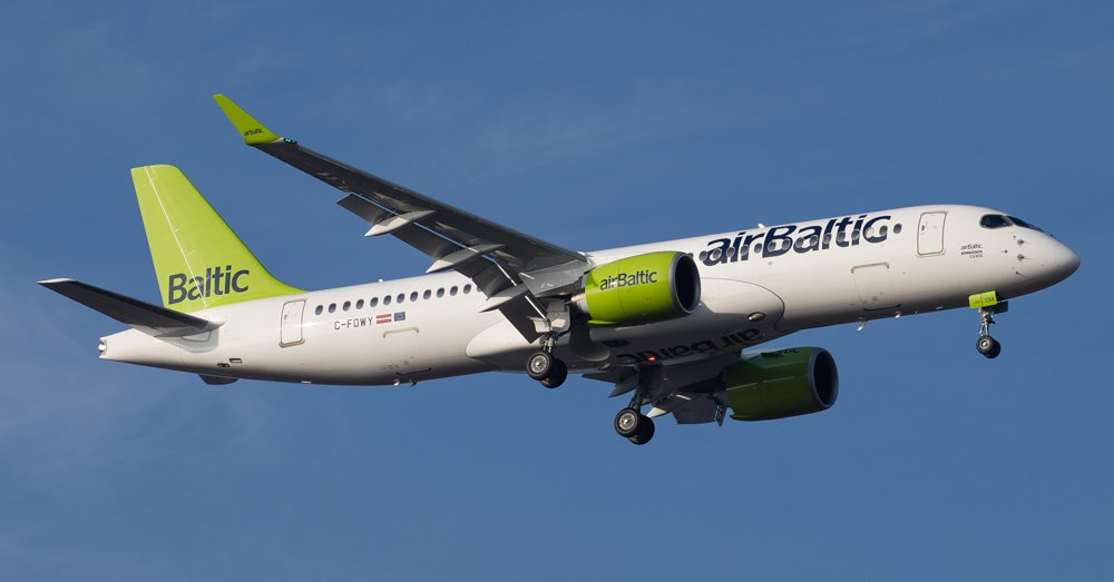 airbaltic-cs300-01
