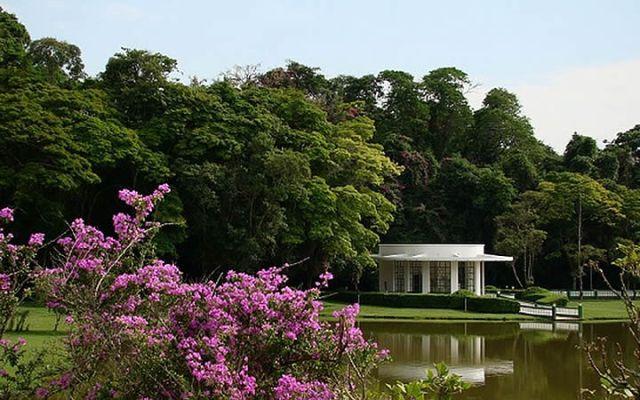 Lago no Parque das Águas em São Lourenço