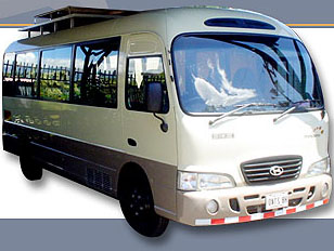 20 PASSENGER LUXURY VAN COSTA RICA