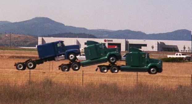 Huckepack Crop Trucks