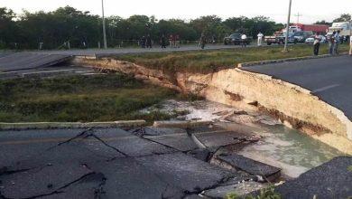 Photo of Socavón paraliza tránsito en carretera Cancún-Playa del Carmen