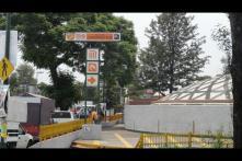 La estación toma su nombre del pueblo Camarones, que a su vez se llamaba así porque por él corría un riachuelo en el que abundaban los acociles, no los camarones...