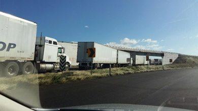 Photo of Fuertes vientos dejan varados 200 camiones en Oaxaca