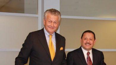 Photo of Empresario mexicano recibe condecoración de los Países Bajos