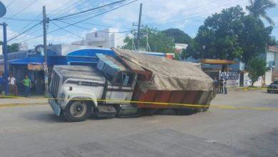 Photo of Se hunde otro camión en Tamaulipas
