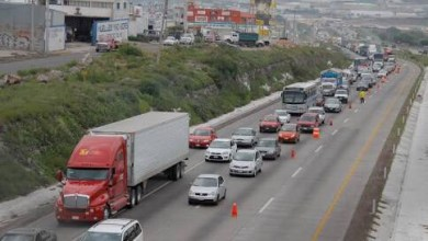 Photo of Reducen carriles en la México-Querétaro por transporte de carga con exceso de dimensiones