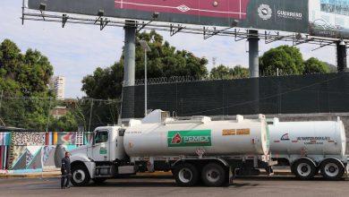 Photo of Pemex acuerda con transportistas 3,500 pipas  que distribuirán combustible las 24 horasi