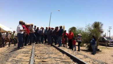 Photo of Bloqueo de la CNTE obliga a Ferromex a detener operaciones en Manzanillo