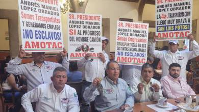 Photo of Transportistas Potosinos se manifiestan contra AMLO por tema del IMSS