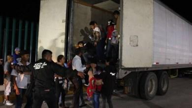 Photo of Meten hasta 220 migrantes en caja de trailer