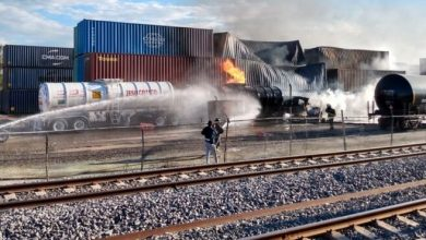 Photo of Se queman contenedores por explosión en aduana de Querétaro