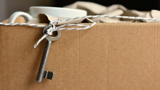 Le démontage des meubles : obligatoire ou pas lors d'un déménagement ?
