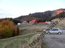 cabana-muntele-rosu_parcare