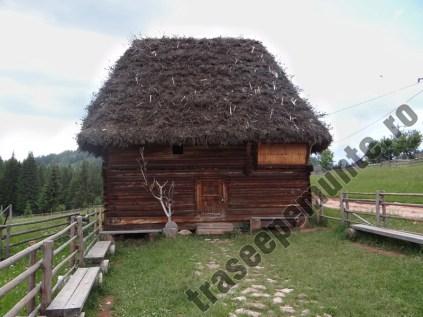 Casa veche_sat Ghetar