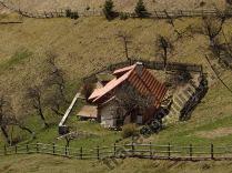 Casa satul Pestera