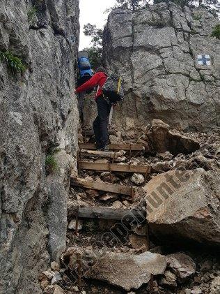 Muntii Rarau-Circuitul Pietrele Doamnei-scari