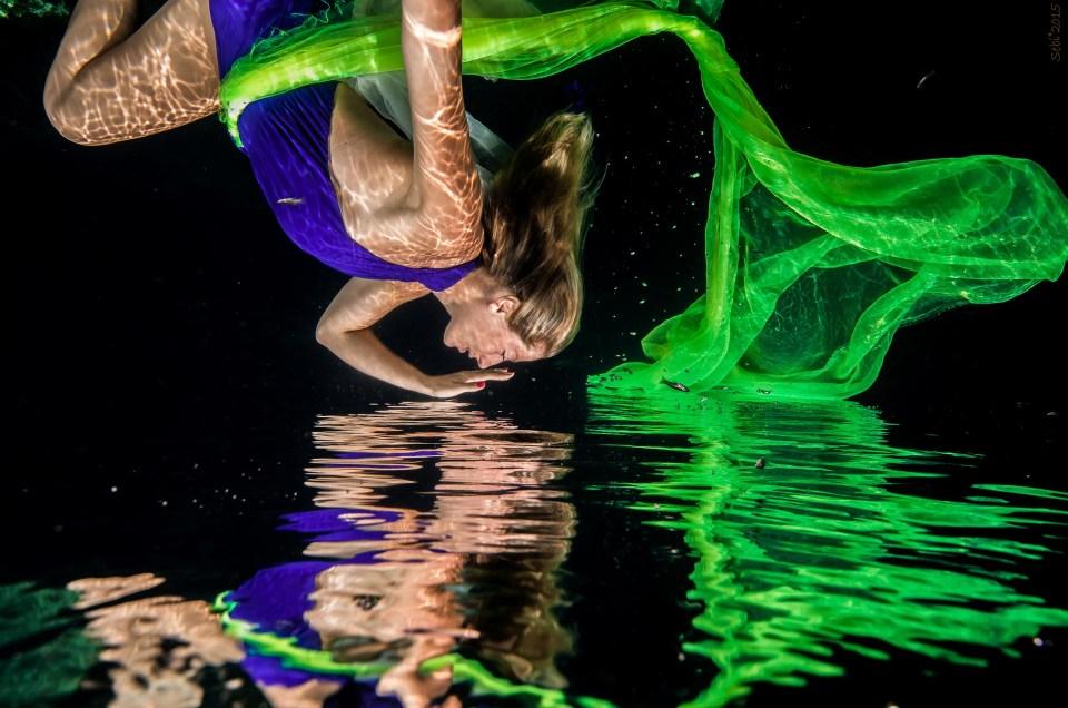 Underwater Glamour Photography - Victoria