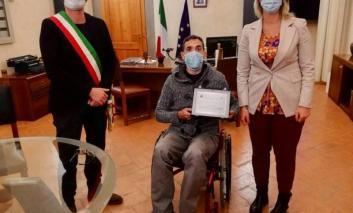 Castiglione del Lago: il comune premia il campione paralimpico Gabriele Fella