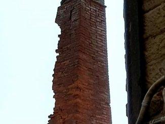 Maltempo a Piegaro, fulmine provoca gravi danni all'antica ciminiera