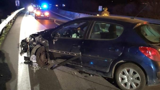 Incidente stradale Raccordo Perugia Bettolle, vicino Tuoro, due feriti
