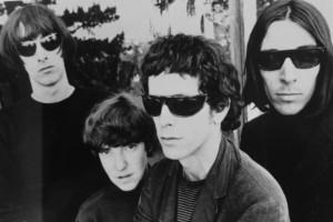 Reed (tercero de izq. a der.) en los días de The Velvet Underground  Imagen: http://www.planetaindie.com/musica-indie/the-velvet-underground-%E2%80%9Cup-tight%E2%80%9D-el-libro