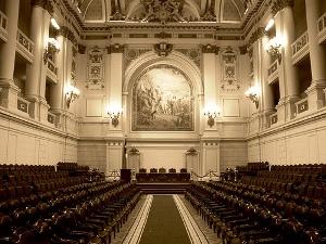 Los congresistas chilenos doblan en sueldo a los congresistas colombianos, sin embargo los chilenos gozan de mejores niveles de transparencia. Foto: Pedro Encina
