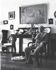 Jorge Francisco Isidoro Luis Borges Acevedo y su gato Beppo. Foto de Julie Méndez Escurra.