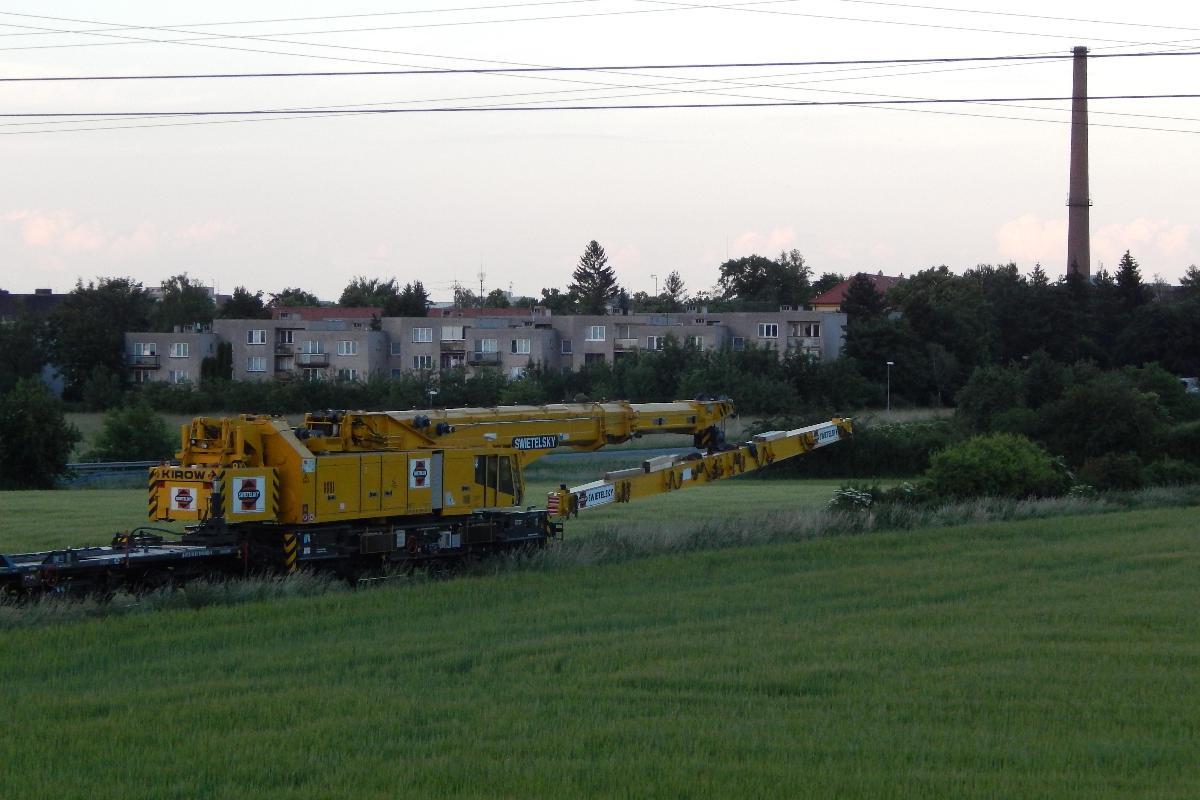 Při večerní přepravě z Čelákovic do Lázní Toušeň.