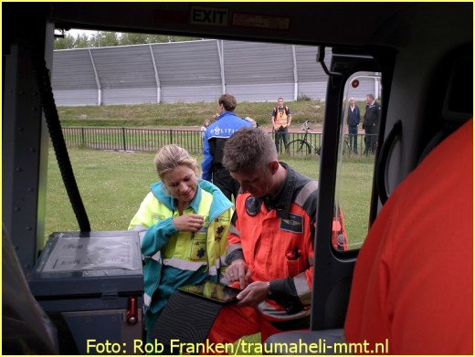 Lifeliner1 inzet Hoofddorp Foto: Rob Franken (7)