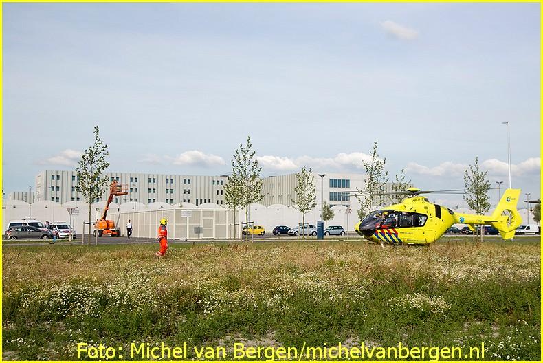 Lifeliner1 inzet Badhoevedorp Foto: Michel van Bergen(20)