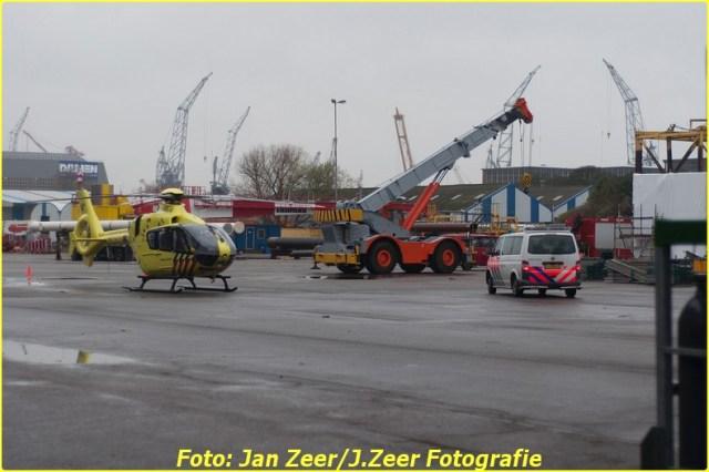 2013-12-17 Bedrijfsongeval HSM steel structures, Schiedam 041-BorderMaker