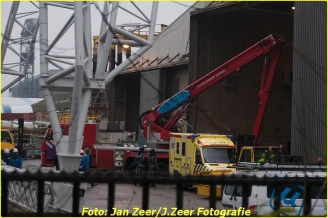 2013-12-17 Bedrijfsongeval HSM steel structures, Schiedam 045-BorderMaker