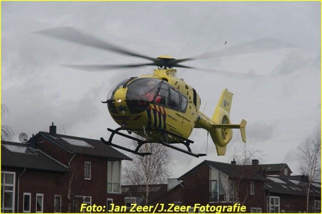 2014-02-01 Inzet traumahelikopter Wateringse-veld 034-BorderMaker