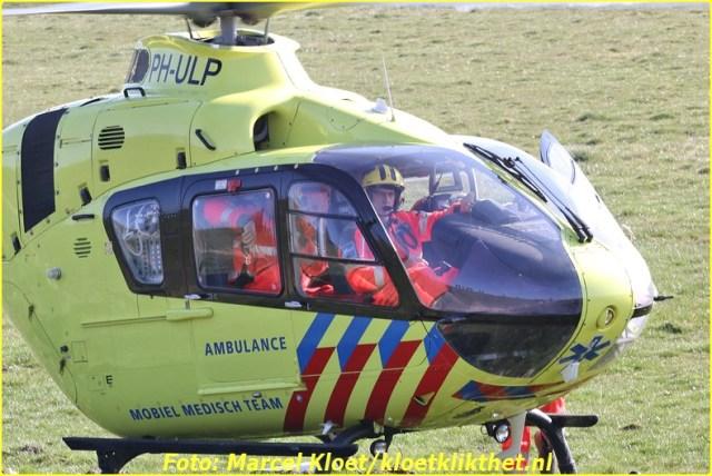 lifeliner bij ongeval zandkreekweg Wolphaartsdijk 5-3-2014 104-BorderMaker