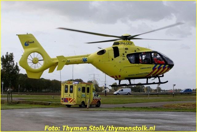 2014 10 22 Man gewond geraakt bij bedrijfsongeval Sgravendeel Tstolk 001 (1)-BorderMaker