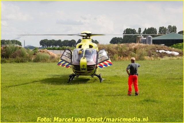 07182015_wielrenster_gewond_Terheijden_0816-BorderMaker