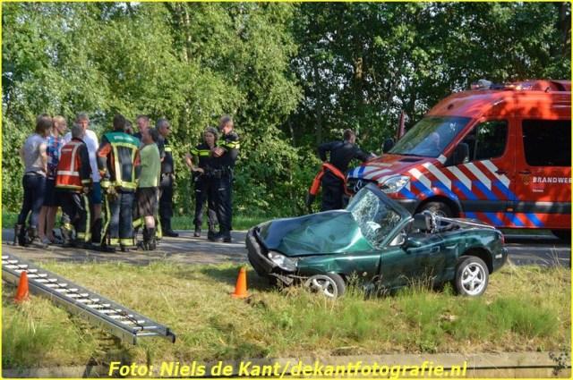 2015 07 04 ter apel Automobilist te water na ongeval-1 (8)-BorderMaker
