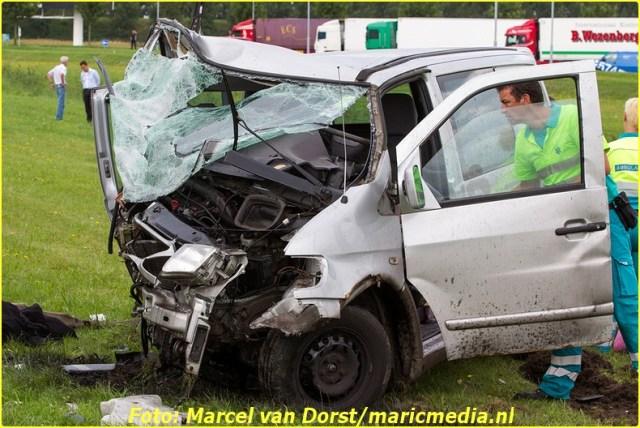 08252015_dodelijk_ongeval_A16_Zevenbergen_1742-BorderMaker