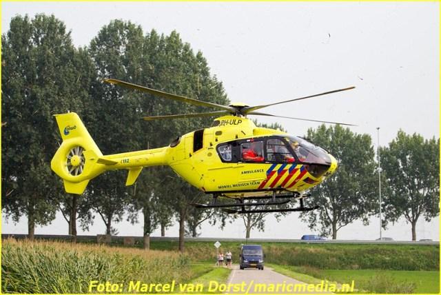 08302015_flyboarder_gewond_Oosterhoutseweg_Raamsdonksveer_1825-BorderMaker