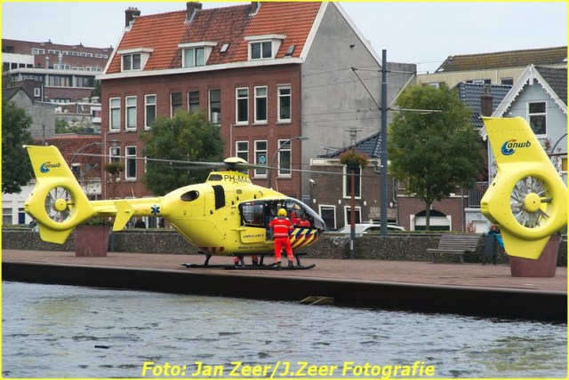 2015-10-19 Dubbele traumahelikopter inzet Schiedam 012-BorderMaker