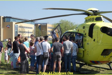 21 April Lifeliner3 Arnhem ambulancepost...