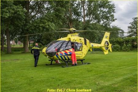 Traumahelikopter land op voetbalveldje vanwege...
