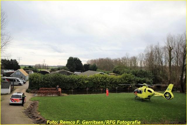 20-12-28 Prio 1 Ongeval - Ijsseldijk-West (Ouderkerk a.d. IJssel) (8)-BorderMaker