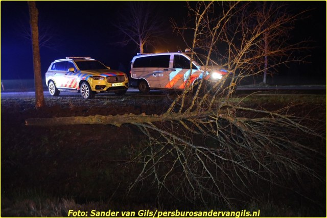 sander-van-gils-20210206060040-3-BorderMaker