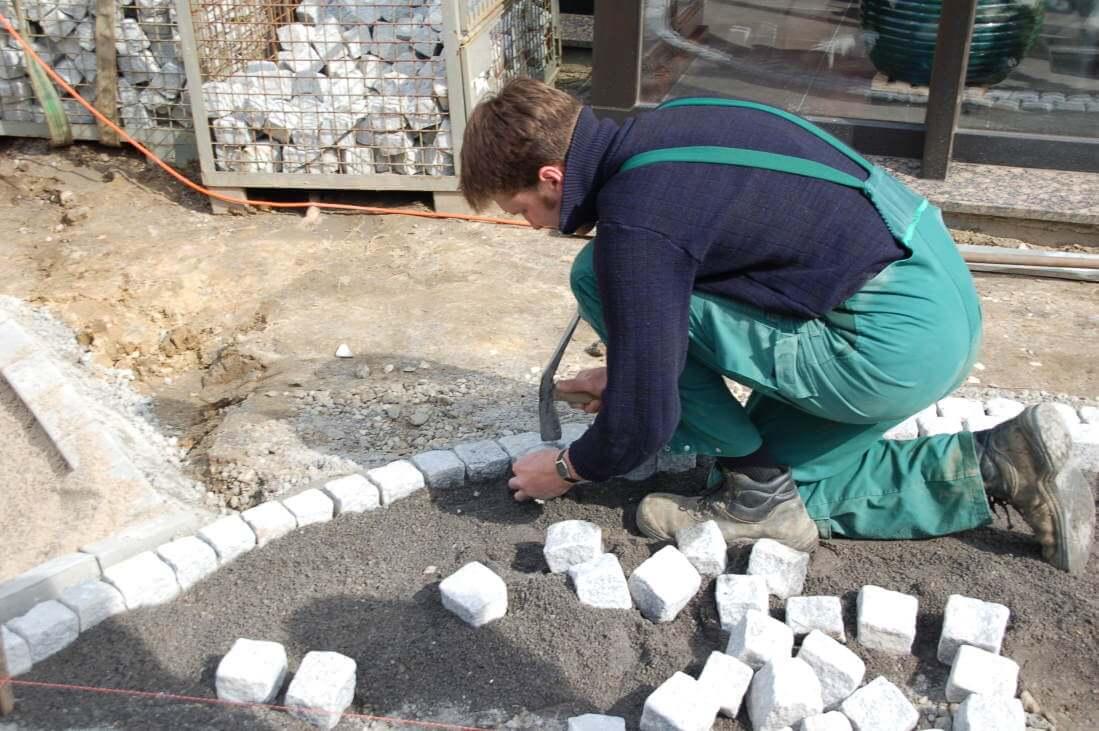 Wege aus Granit Natursteinpflaster