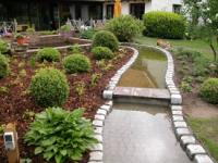 Bachlauf im Garten